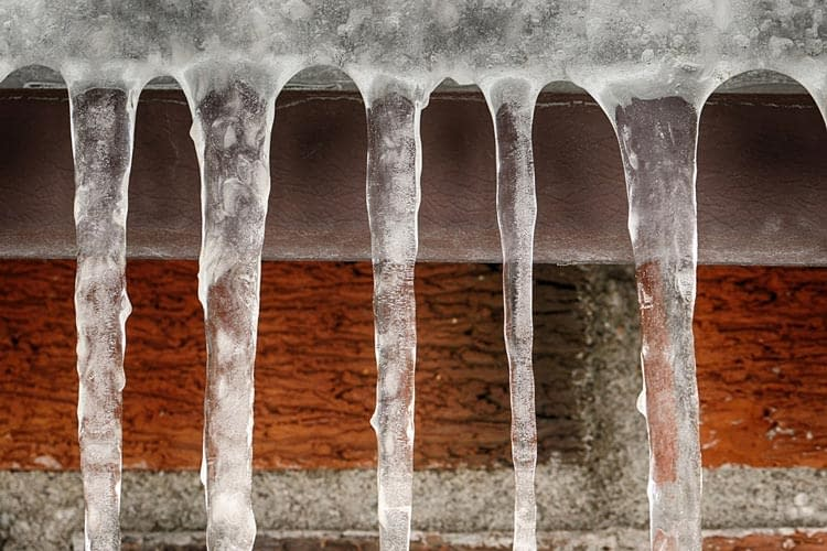 How Ice Dams and Frozen Pipes Are Detrimental to your Home