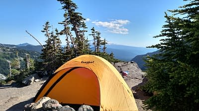 Tent in the Washington mountains