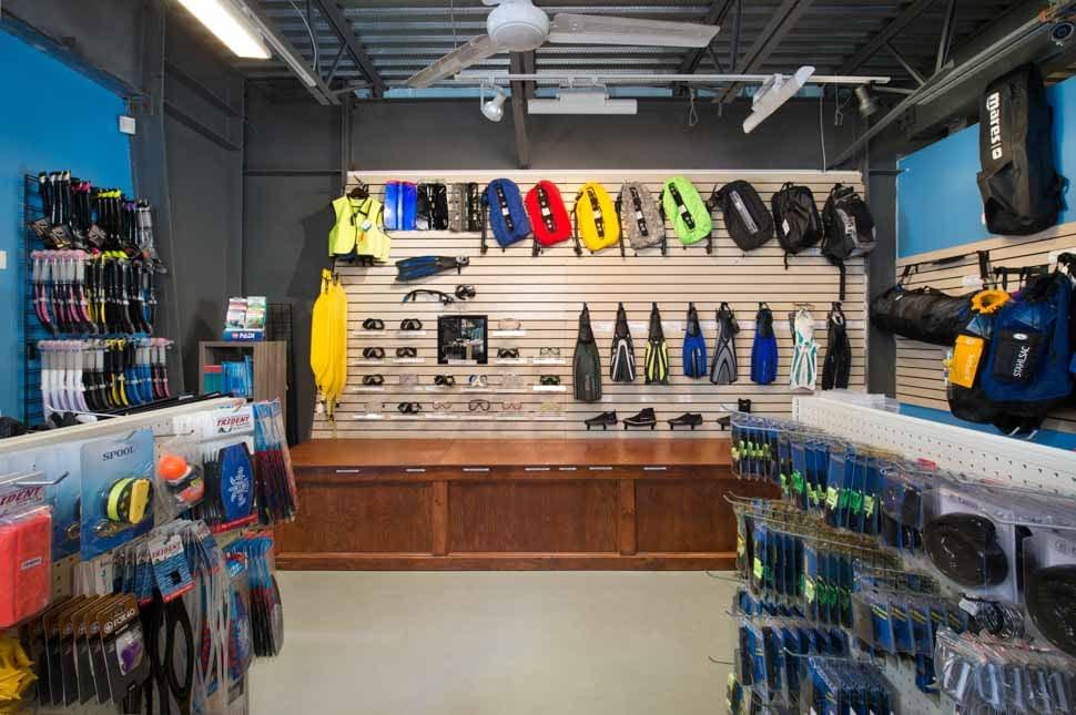 Kona Dive Shops like Kona Honu Divers