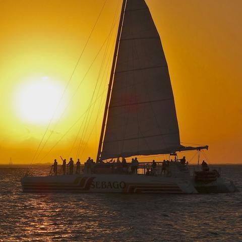 Catamaran Champagne Sunset Sail